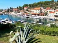 Solta-Island-town-Maslinica-from-Split-Croatia