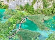Path-on-Plitvice-lake