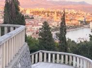 Split-from-hill-Marjan